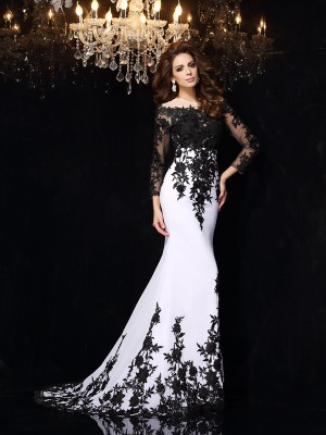 Sheath/Column Scoop Long Sleeves Sweep/Brush Train Chiffon Dresses with Lace