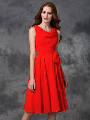A-Line/Princess Scoop Sleeveless Knee-Length Chiffon Bridesmaid Dresses with Ruffles