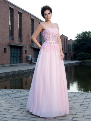A-Line/Princess Straps Sleeveless Floor-Length Net Dresses with Applique