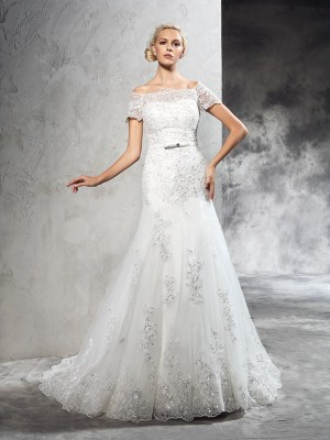Sheath/Column Off-the-Shoulder Short Sleeves Court Train Net Wedding Dresses with Applique