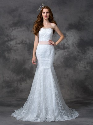 Trumpet/Mermaid Strapless Sleeveless Court Train Lace Wedding Dresses with Sash/Ribbon/Belt