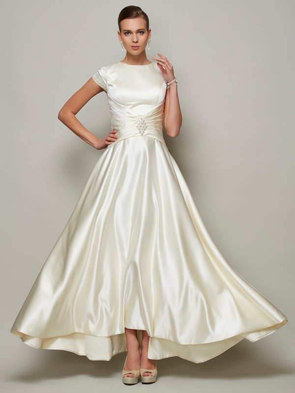 A-Line/Princess Scoop Short Sleeves Floor-Length Satin Mother of the Bride Dresses with Beading