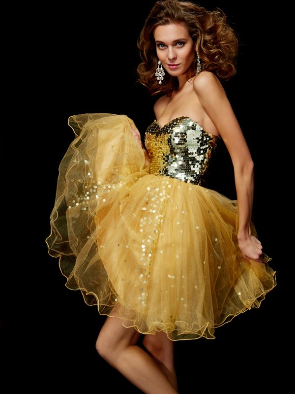 A-Line/Princess Sweetheart Sleeveless Short/Mini Tulle Dresses with Paillette