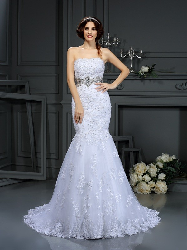 Trumpet/Mermaid Strapless Sleeveless Court Train Lace Wedding Dresses with Beading