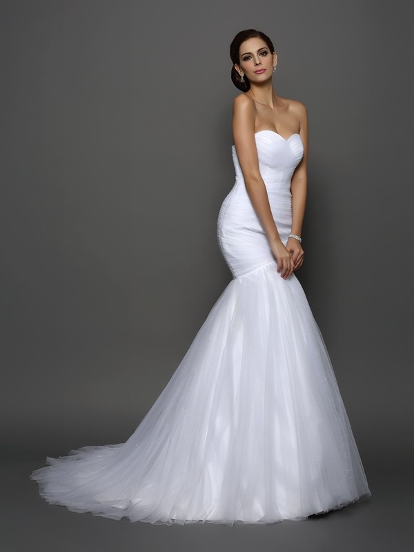 Trumpet/Mermaid Sweetheart Sleeveless Court Train Net Wedding Dresses with Pleats