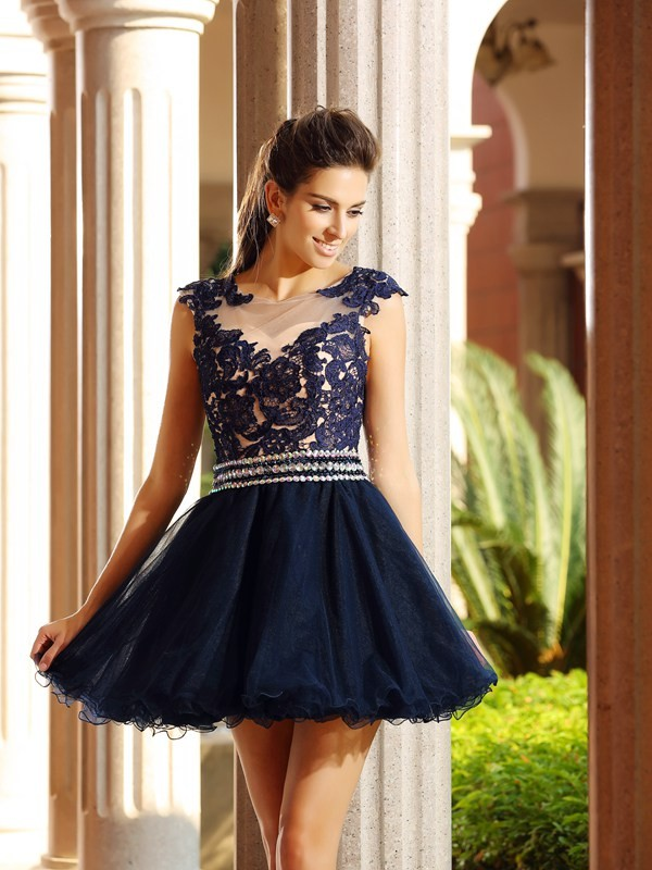 A-Line/Princess Scoop Sleeveless Short/Mini Tulle Dresses with Applique
