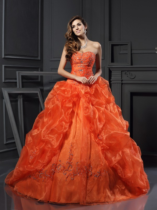 Ball Gown Sweetheart Sleeveless Court Train Organza Dresses with Beading Applique