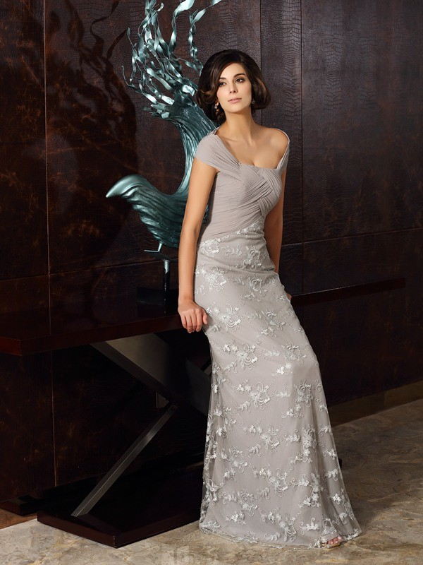 A-Line/Princess Off-the-Shoulder Sleeveless Floor-Length Chiffon Mother of the Bride Dresses with Applique