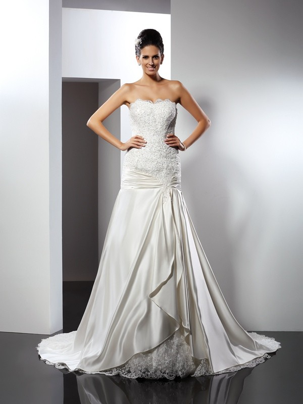 Trumpet/Mermaid Sweetheart Sleeveless Chapel Train Satin Wedding Dresses with Applique