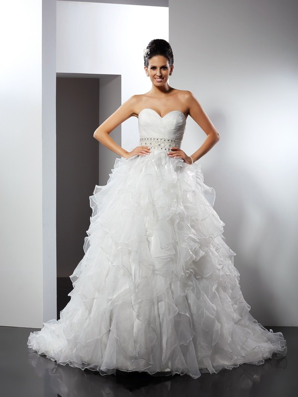 Ball Gown Sweetheart Sleeveless Chapel Train Organza Wedding Dresses with Ruffles