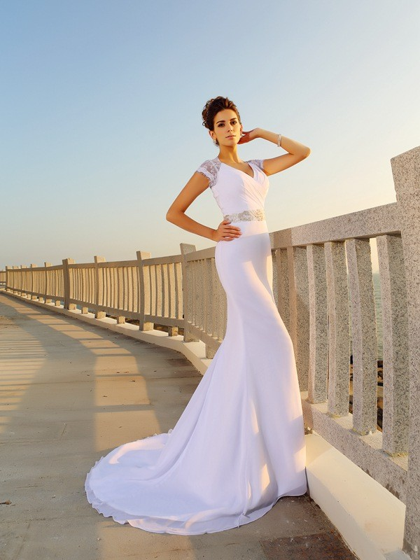 Sheath/Column V-neck Sleeveless Court Train Chiffon Wedding Dresses with Beading