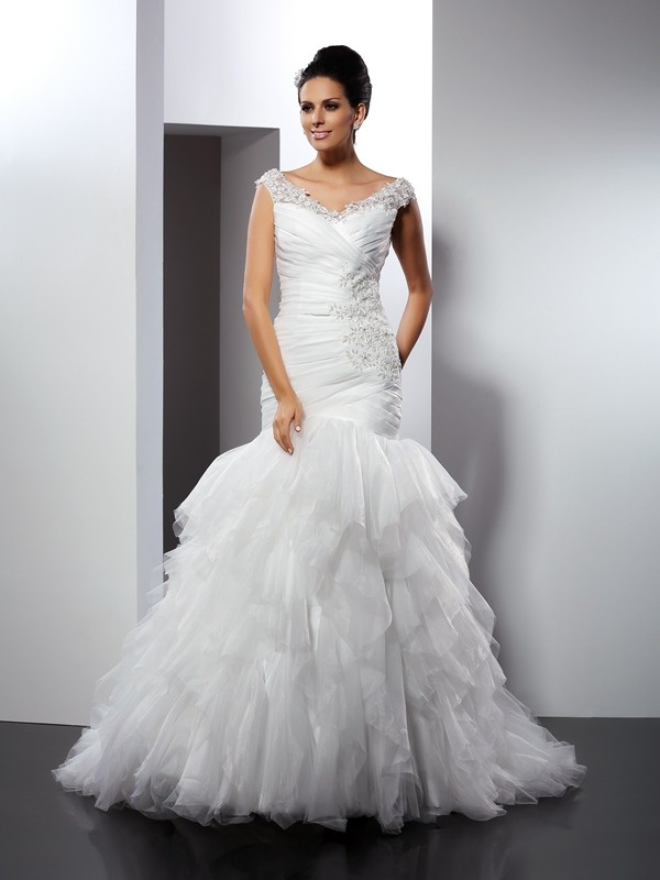 Trumpet/Mermaid V-neck Sleeveless Cathedral Train Tulle Wedding Dresses with Applique