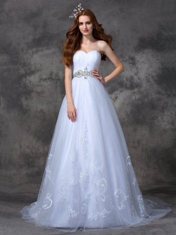 A-Line/Princess Sweetheart Sleeveless Sweep/Brush Train Satin Wedding Dresses with Beading