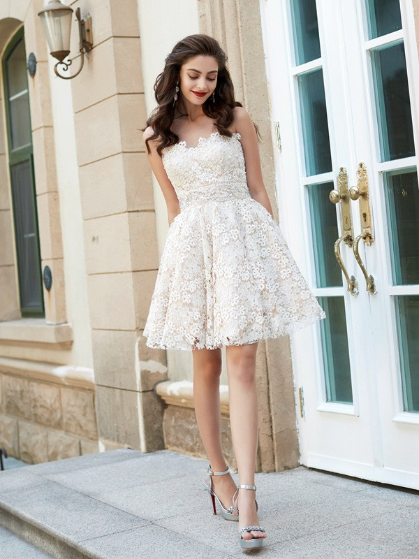 A-Line/Princess Sweetheart Sleeveless Short/Mini Lace Dresses with Rhinestone