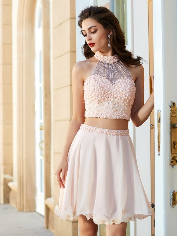 A-Line/Princess Halter Sleeveless Short/Mini Chiffon Dresses with Beading