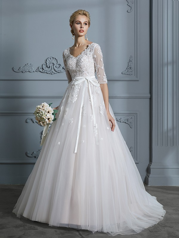 Ball Gown V-neck 1/2 Sleeves Court Train Tulle Wedding Dresses with Lace