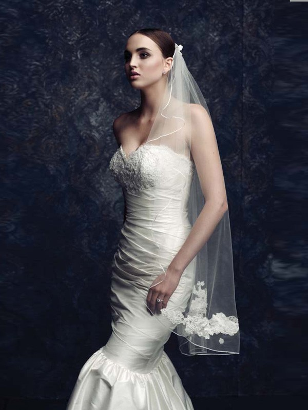 Elegant Tulle With Embroidery Bridal Veils