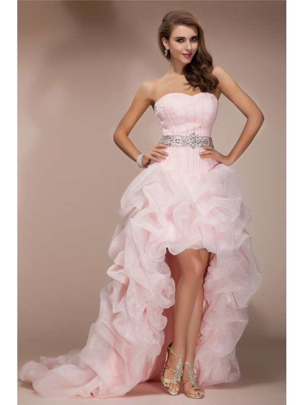 A-Line/Princess Sweetheart Sleeveless Asymmetrical Organza Dresses with Beading