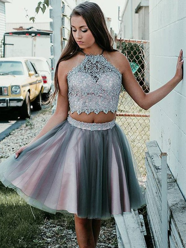 A-Line/Princess Halter Sleeveless Short/Mini Tulle Dresses with Applique