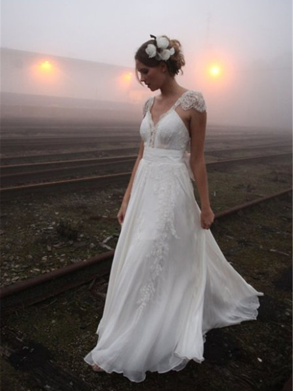 A-Line/Princess V-neck Sleeveless Floor-Length Chiffon Wedding Dresses with Lace