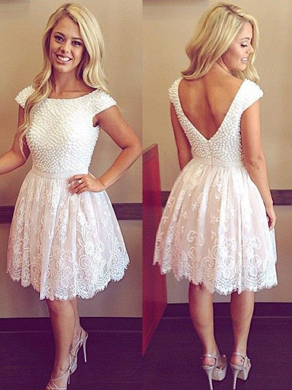 A-Line/Princess Scoop Short Sleeves Short/Mini Lace Dresses with Pearls