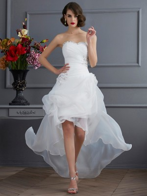 A-Line/Princess Sweetheart Sleeveless Asymmetrical Organza Wedding Dresses with Beading Applique