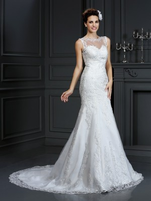 Sheath/Column Bateau Sleeveless Court Train Satin Wedding Dresses with Lace