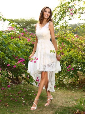 A-Line/Princess V-neck Sleeveless Asymmetrical Lace Bridesmaid Dresses with Lace