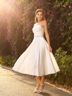 A-Line/Princess Sweetheart Sleeveless Tea-Length Satin Wedding Dresses with Beading