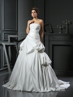Ball Gown Strapless Sleeveless Chapel Train Satin Wedding Dresses with Applique