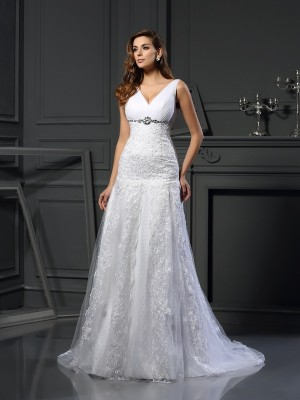A-Line/Princess V-neck Sleeveless Chapel Train Satin Wedding Dresses with Beading Applique