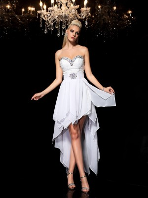 A-Line/Princess Sweetheart Sleeveless Asymmetrical Chiffon Dresses with Beading
