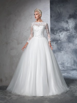 Ball Gown Bateau Long Sleeves Sweep/Brush Train Net Wedding Dresses with Lace