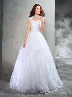 Ball Gown Sweetheart Sleeveless Court Train Organza Wedding Dresses with Lace