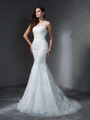 Trumpet/Mermaid Scoop Sleeveless Court Train Lace Wedding Dresses with Applique