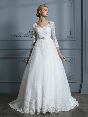 Ball Gown V-neck 3/4 Sleeves Court Train Tulle Wedding Dresses with Lace