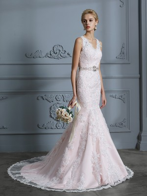 Trumpet/Mermaid V-neck Sleeveless Court Train Tulle Wedding Dresses with Applique