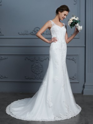 Trumpet/Mermaid V-neck Sleeveless Court Train Tulle Wedding Dresses with Lace
