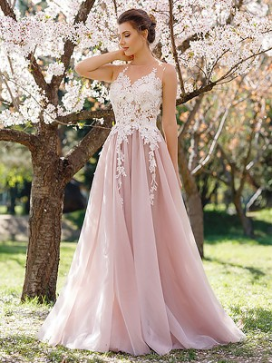A-Line/Princess Jewel Sleeveless Floor-Length Tulle Dresses with Applique