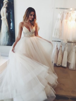 Ball Gown Spaghetti Straps Sleeveless Court Train Tulle Wedding Dresses with Crystal