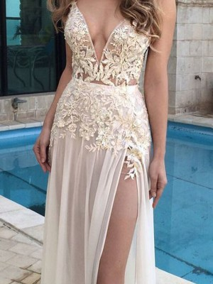 A-Line/Princess V-neck Sleeveless Floor-Length Chiffon Dresses with Applique