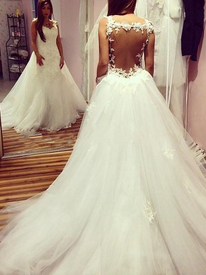 Ball Gown Sweetheart Sleeveless Chapel Train Tulle Wedding Dresses